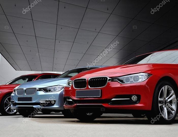 depositphotos_64364335-stock-photo-three-race-cars